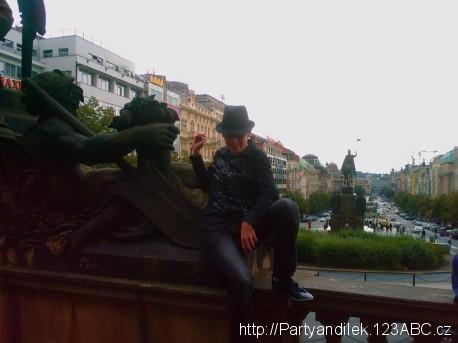 Fotka Václavského náměstí v Praze.