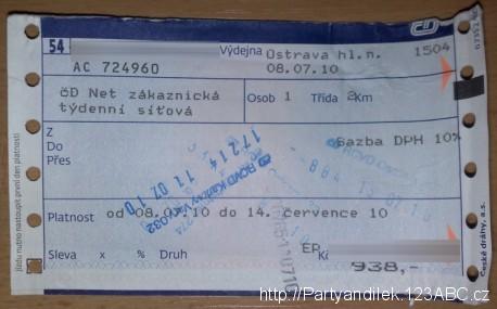 Fotka týdenní síťové jízdenky Českých drah.