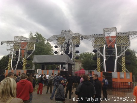 Fotka Reset stage na Pleasure Island 2010.